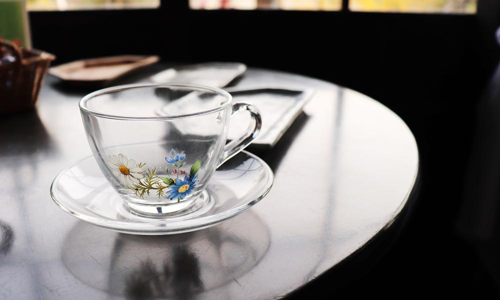 ガラスのポーセラーツ体験 お茶付き