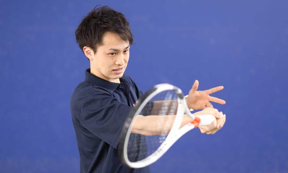 テニスレッスン4回【中級・ラケットプレゼント】コース